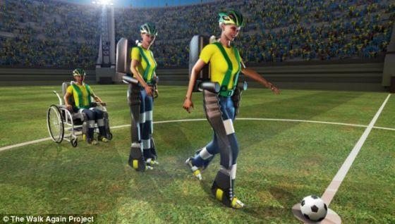 """世界各地的科学家参加了""""再次行走计划"""",为担任开球嘉宾的巴西瘫痪少年研制脑控外骨骼。研究小组为外骨骼安装了一系列传感器,负责将触感、温度和力量等信息反馈给佩戴者。这种反馈将借助显示器或者振动的电机完成"""