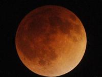 共赏红月亮直播预告:18:25上演最美一小时