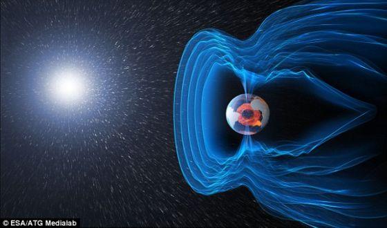 根据科学家进行的一项新研究,地球磁场的逆转速度极快,整个过程可能不到100年。届时,所有指南针的指针将指向南,而不是现在这样指北。此外,磁场逆转还会破坏地球上的电网同时提高癌症风险。科学家一度认为地球磁场需要数千年时间才能发生逆转。