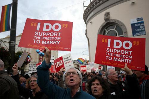 加州同性维权人士斗争多年要求同性婚姻合法化