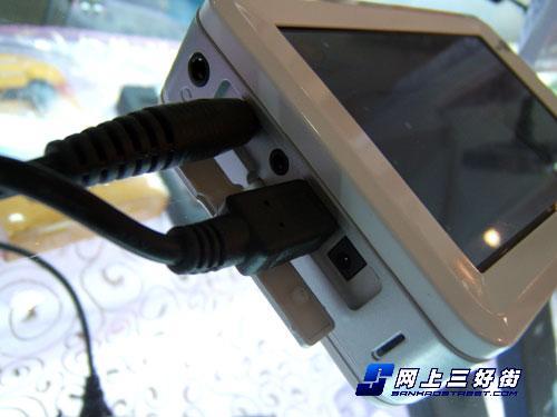 硬盘MP4变身DV爱国者P881PLUS首降100