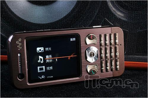 为你挡子弹五款纤薄型金属手机推荐(4)