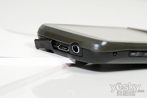 500万像素三星大屏触控手机S5560评测