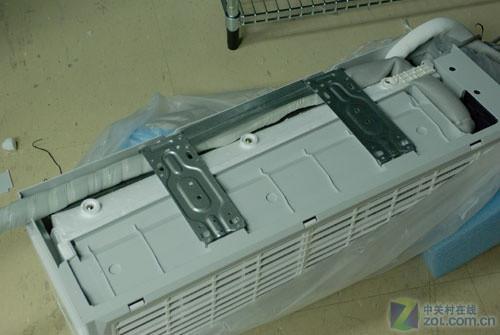 安装不好会导致空调的使用效果以及使用寿命大打折扣,所以空调的安装