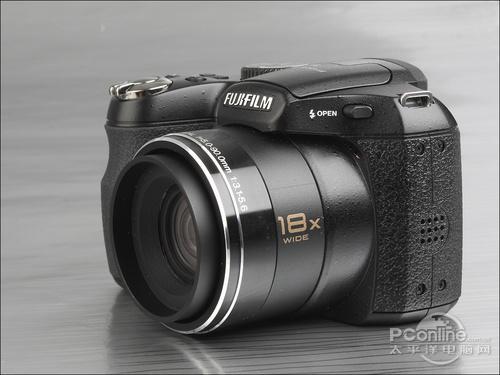 具备18倍光学变焦富士S2600HD相机评测