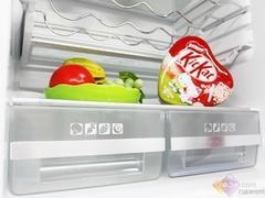 美的三门冰箱热卖 意大利红设计抢眼