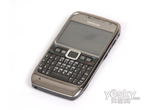 商务手机经典之作 诺基亚E71行货仅1580元