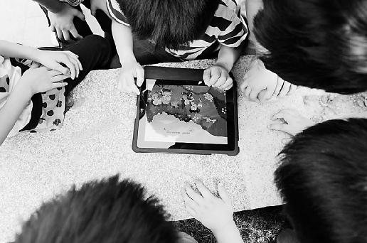 幼儿园防拐骗演练:1个iPad骗走10名小朋友