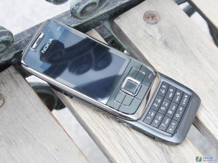 金属智能滑盖行货诺基亚E66仅售1380元
