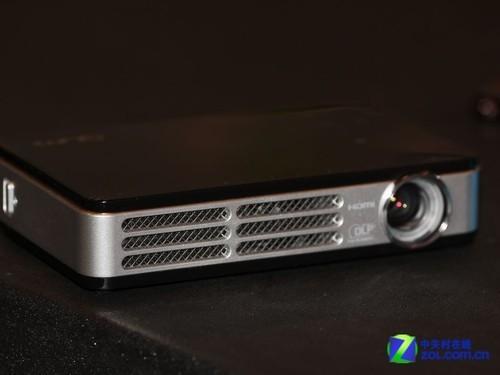 CES2012:丽讯展出最小3D投影解决方案