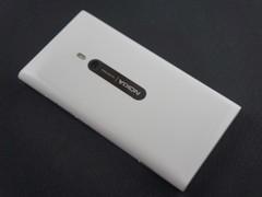 帅气WP新机 白色诺基亚Lumia800再到货