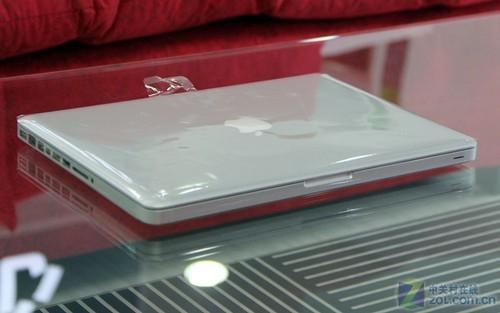 新款 Macbook Pro ,表面的膜还没有撕掉