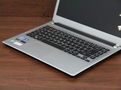 Acer V5-471G月光银 键盘面中部图