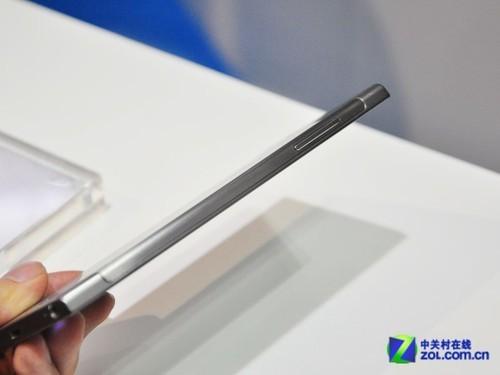 闪耀Intel展台 联想K900真机上手体验