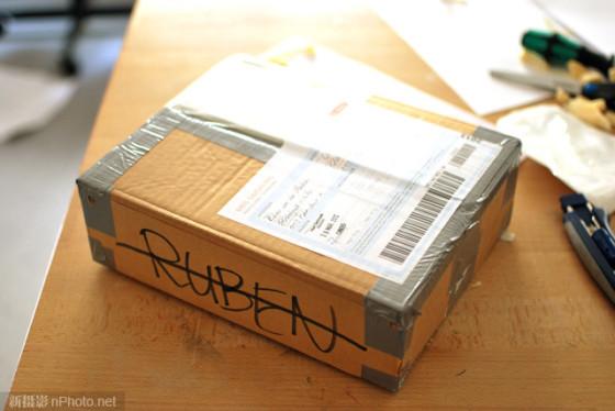 利用针孔摄像头记录包裹邮寄旅程