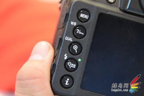数码相机 > 正文     尼康df对于单个按键的设计,较之前传统产品有了