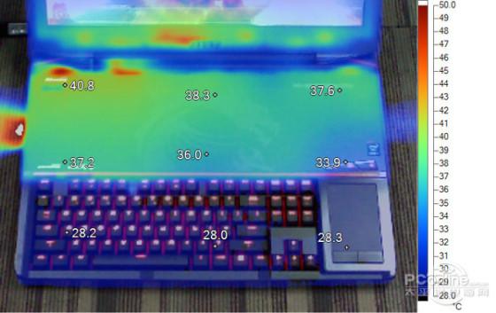 标杆微星茶轴机械键盘游戏本GT80评测(6)