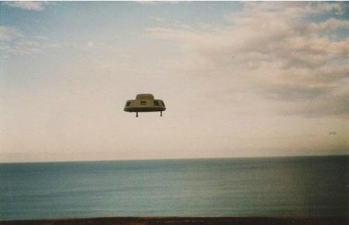 科技时代_UFO经典照片:1993年澳大利亚不明飞行物