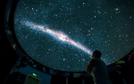 国内首座由海量科学数据驱动运行的WWT互动式数字天象厅