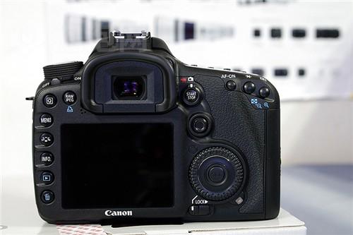 专业级单反相机佳能7D最新价13980元