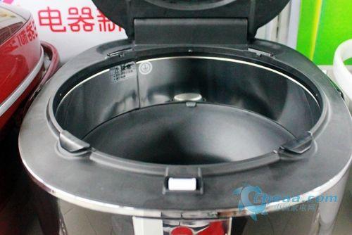 传统压力锅采用的是密度结构,锅内米水是不沸腾,煮出来的米饭是像