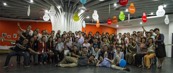 李开复在创新工场时,与员工的合影。