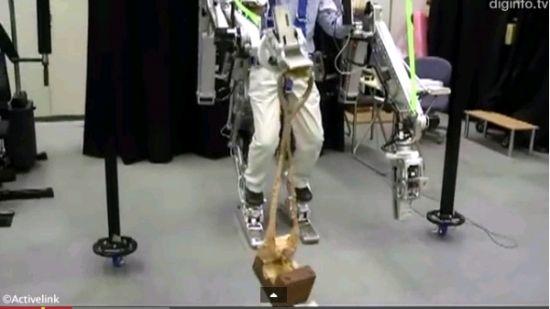 Power Loader可以让穿戴者具备超人般的强壮身体