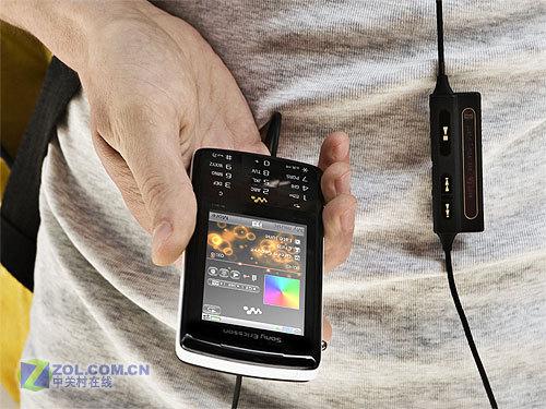 320万像素索爱音乐UIQ智能机W960i评测