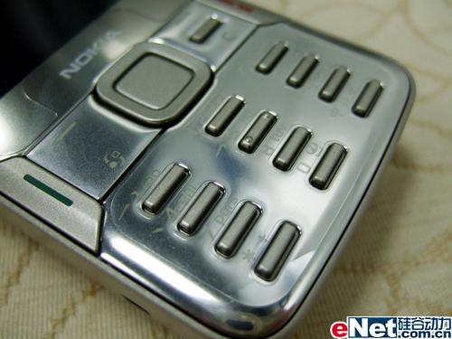 500万像素诺基亚全能N82行货跌破四千