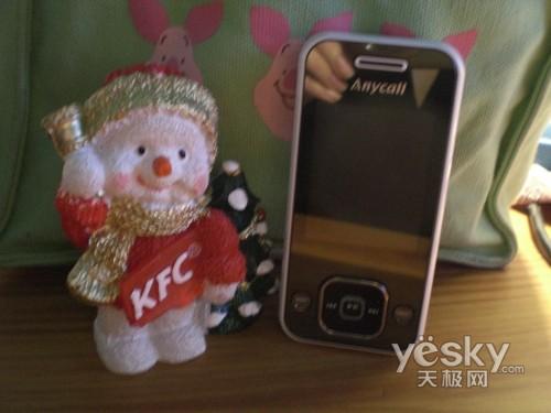 圆润时尚三星音乐滑盖手机F258试用