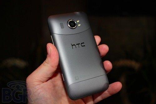 4.7�计�+1600w拍照HTCTitanII正式发布