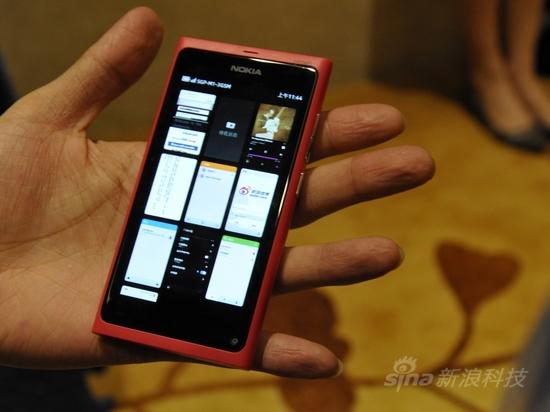 全新MeeGo系统诺基亚N9首发评测(4)