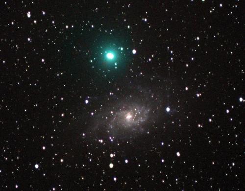 图文:07年12月30日荷兰出现的塔特尔彗星