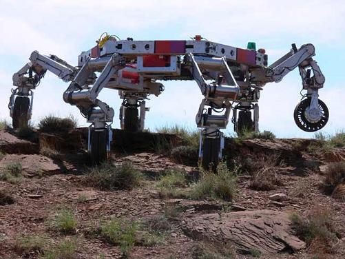 美打造六足机器人有望变身月球移动堡垒(图)