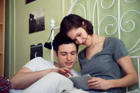 女生往往一见爱人有此行为