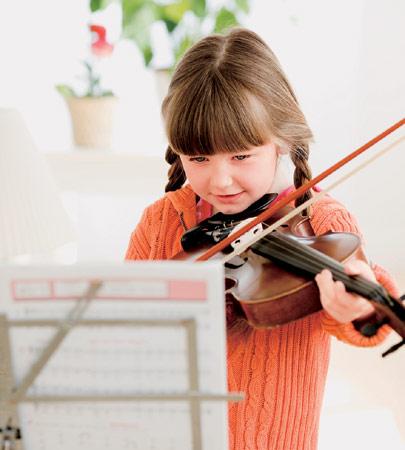 想让宝宝拉一手悠扬小提琴吗?