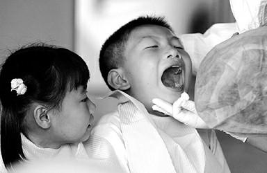 孩子爱磨牙应该早治疗(图)
