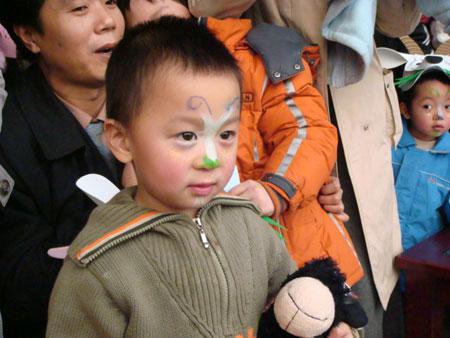 儿童表演妆图片