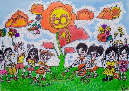 孩子们的手里拿着可爱的气球,我希望祖国会更好.