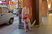 台北街头各种装扮的宗教界人士
