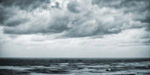 风暴来临时的地中海