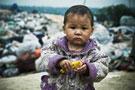 广州郊区垃圾场里长大的孩子