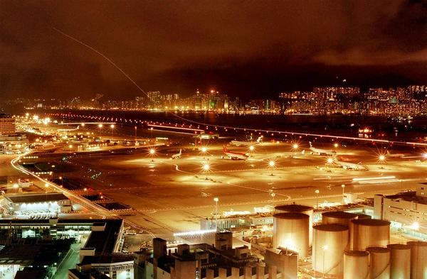 最后一架飞机离开香港启德机场