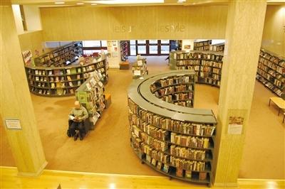 米切尔图书馆内景.