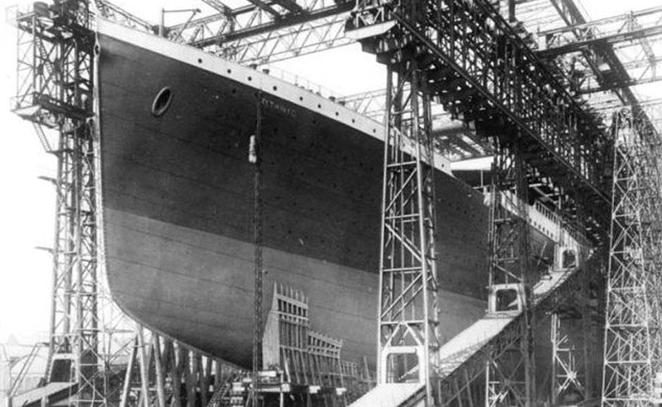 泰坦尼克号建造过程中的旧照