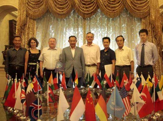 中国世界和平基金会与波兰商会合作用健康促和平