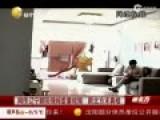网传辽宁保姆虐童视频  强塞饭用脚踹
