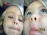 实拍3岁女童为获完美照片疯狂自拍667次