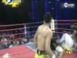 现场:中国猛将21秒KO日本拳手 对方吐血被抬走