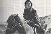 革命岁月:江青在延安爱抽烟骑烈马喜奢华(图)